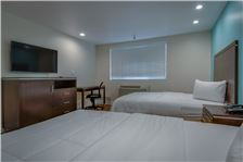 Hotel Name Room - Bakersfield-Downtowner-Two-Queens-3