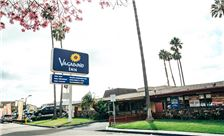 Vagabond Inn Oxnard Street View