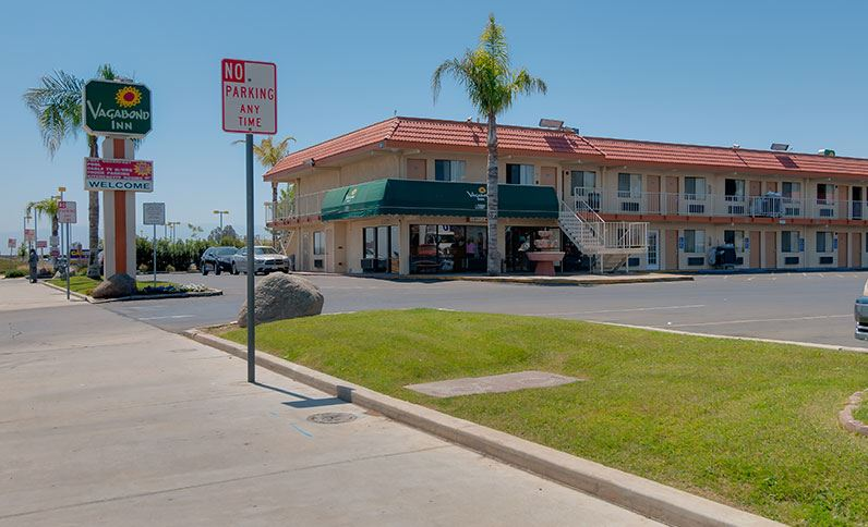 Bakersfield ca hotel photos vagabond inn bakersfield for Costa mesa motor inn