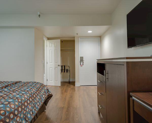 Vagabond Inn Executive - Bakersfield Downtowner | Bakersfield Downtowner Non Smoking King Room