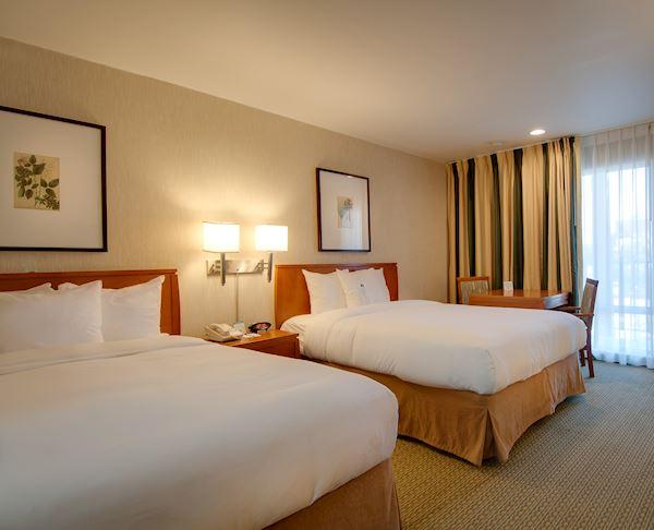 Vagabond Inn - Glendale ADA Accessible 2 Queen Beds