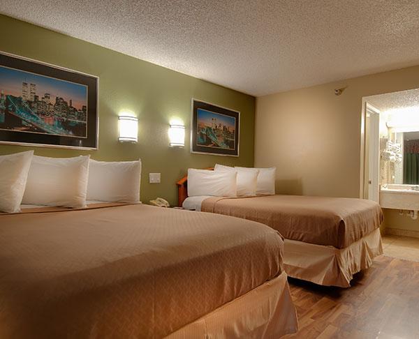 Vagabond Inn - Bakersfield (South) 2 Non-Smoking Premium Double Beds