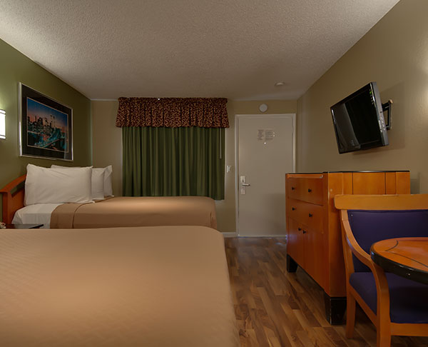 Vagabond Inn - Bakersfield (North) Two Double Beds