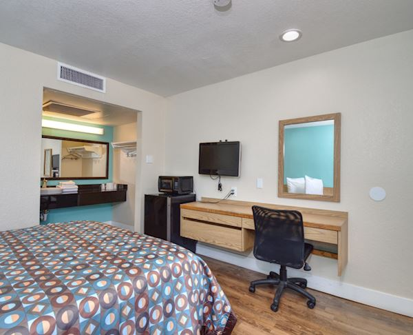 Vagabond Inn Buttonwillow North ADA Double Bed