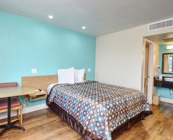 Vagabond Inn Buttonwillow North ADA Double Bed