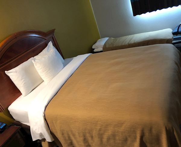 Vagabond Inn Executive Hayward - ADA Queen Room