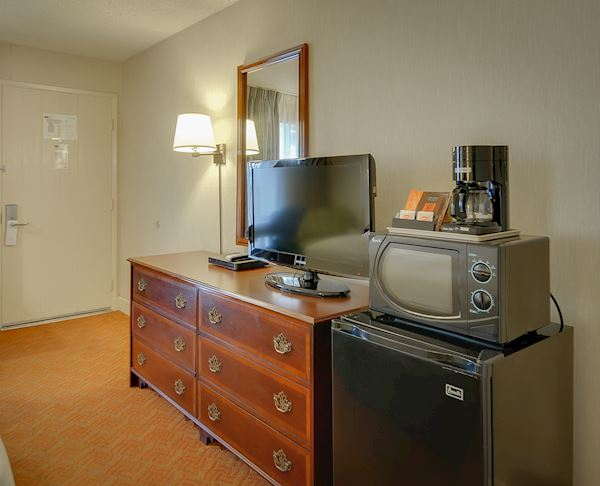 Vagabond Inn Executive - San Francisco Airport Bayfront (SFO) Two Queen Beds