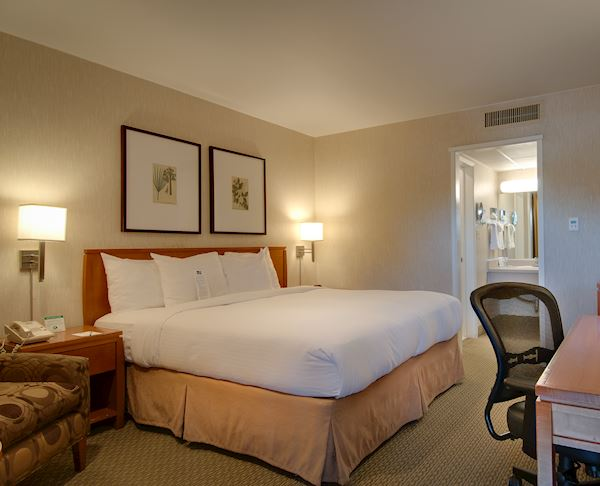Vagabond Inn - Glendale King Bed