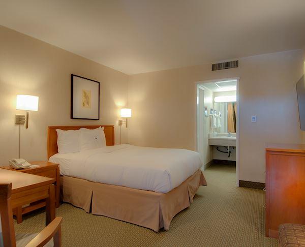 Vagabond Inn - Glendale King Bed