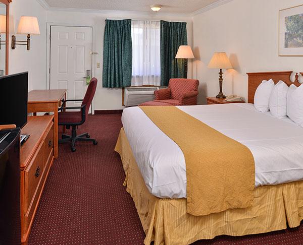 Vagabond Inn - Klamath Falls King Bed Whirlpool