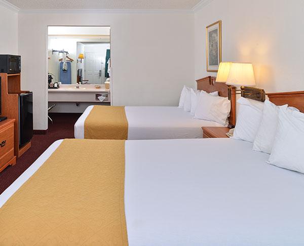 Vagabond Inn - Klamath Falls Two Queen Beds