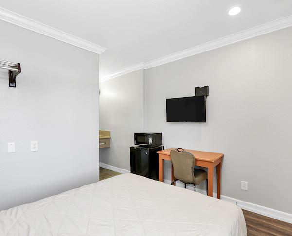 Double Room at Vagabond Inn - La Habra