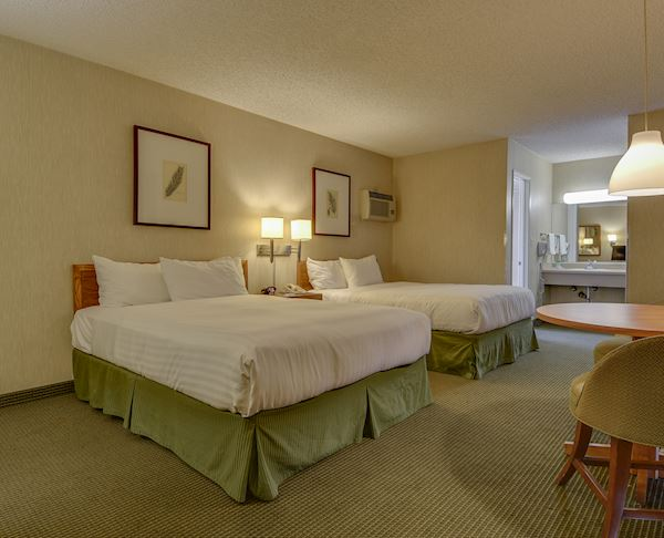 Vagabond Inn - Los Angeles at USC Two Queen Beds