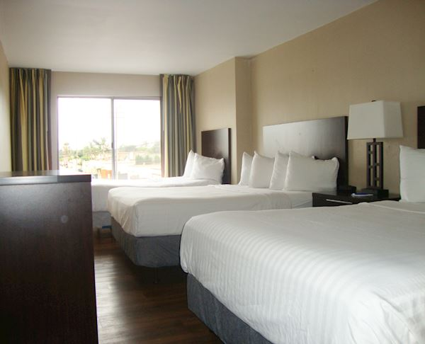 Vagabond Inn - Oxnard Family Suite