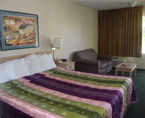 Vagabond Inn - Reno King Bed
