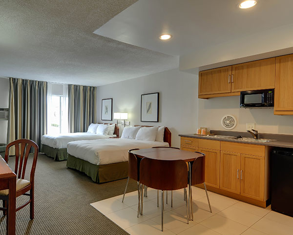 Vagabond Inn - San Diego Airport Marina N/S Two Queen Beds w/Kitchenette