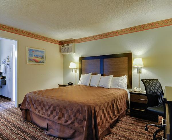 Vagabond Inn - Sunnyvale ADA Accessible - King Bed