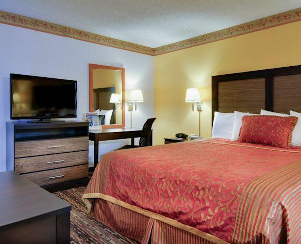 Vagabond Inn - Sunnyvale N/S King Bed