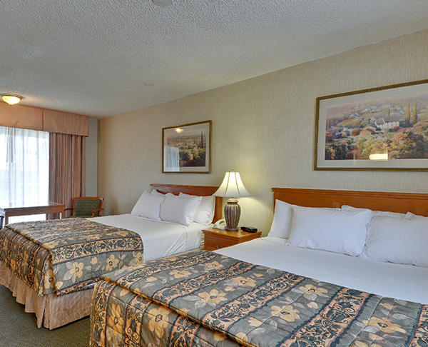 Vagabond Inn - Ventura Two Queen Beds