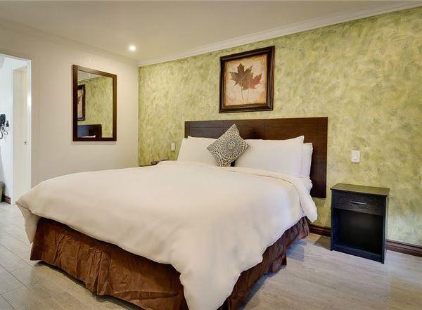 Vagabond Inn - San Pedro Specials