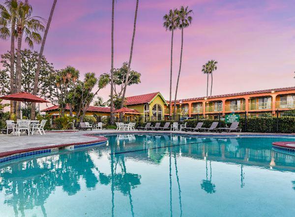 Vagabond Inn - Costa Mesa Photos