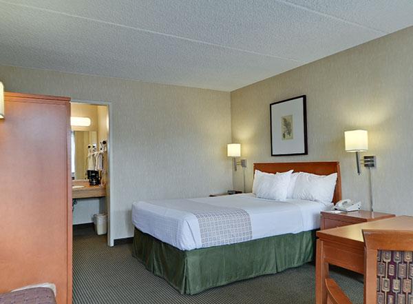 Vagabond Inn Executive - Sacramento (Old Town) Rooms