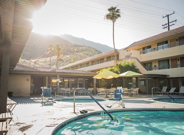 Vagabond Inn - Palm Springs Amenities