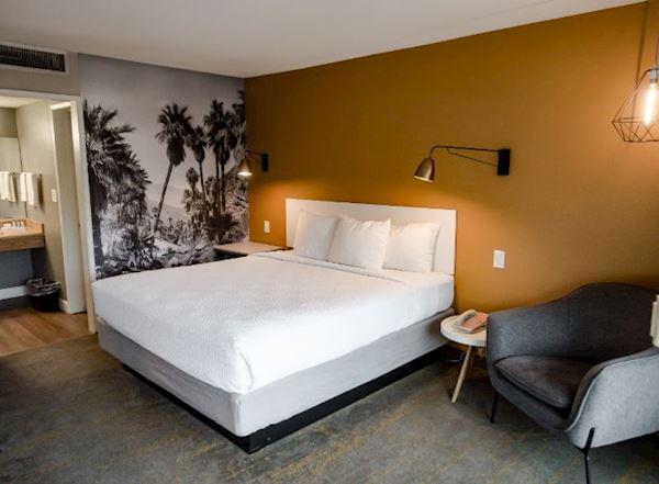 Vagabond Inn - Palm Springs Rooms