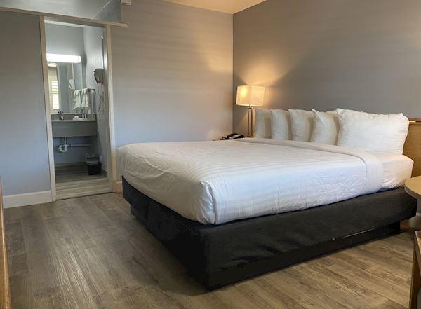 Vagabond Inn - San Luis Obispo Rooms