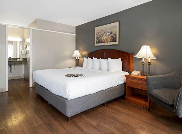 Vagabond Inn - Ventura Rooms