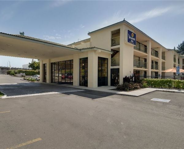Vagabond Inn Executive Sacramento (Old Town) - Northern California