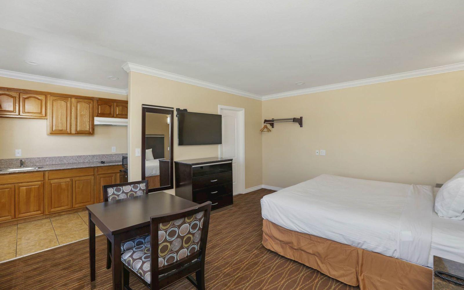 Vagabond Inn La Habra Rooms